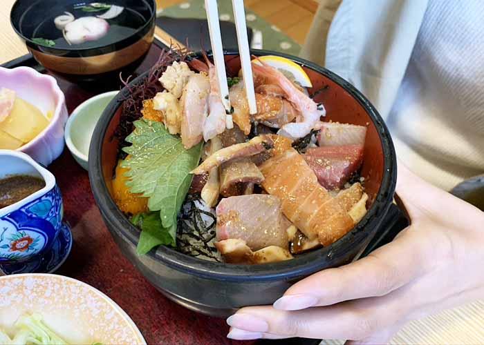 磯太郎 海鮮丼