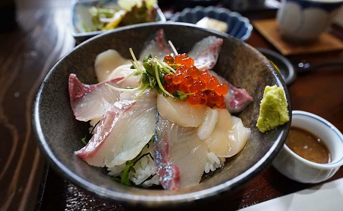 安徳丸 福津 海鮮丼